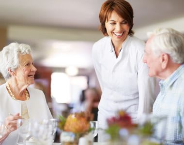 Enjoy delicious meals with Summer Breeze Senior Living