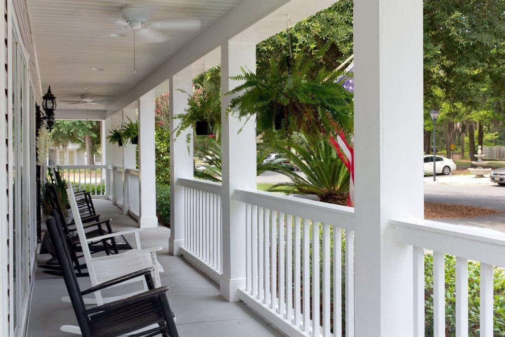 Rocking Chair Porch at Summer Breeze Senior Living in Savannah, GA