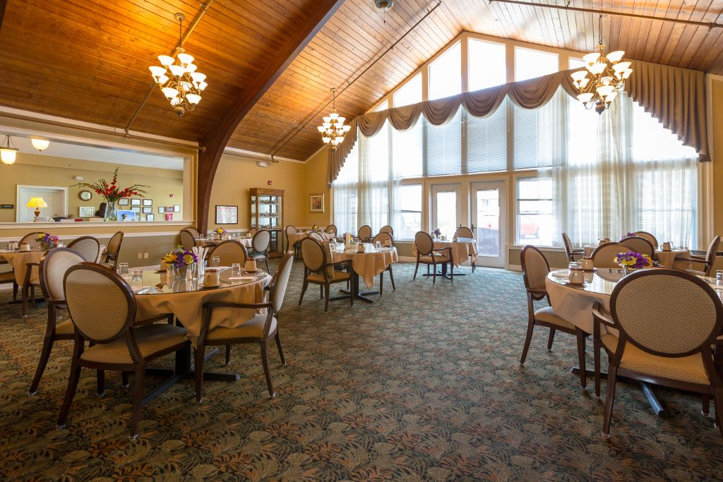 Dining room at Bentley Assisted Living at Branchville