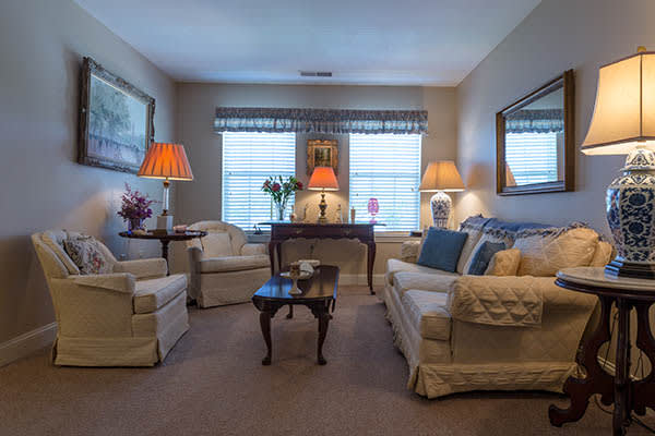 Comfortable Living Spaces At Bentley Commons At Keene