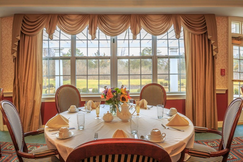 Dining room at Bentley Commons at Lynchburg in Virginia