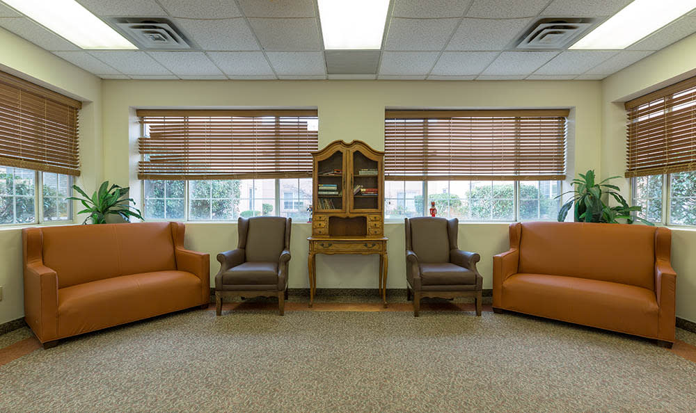 Comfortable Couches To Sit On at Ivystone Senior Living in Pennsauken, NJ