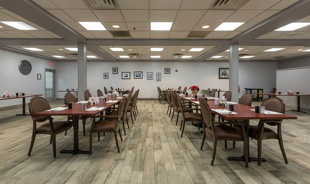 Dining Hall at Ivystone Senior Living in Pennsauken, NJ