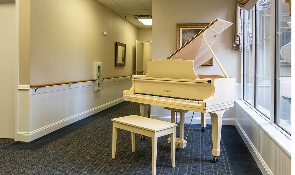 Play Some Music On The Piano at Ivystone Senior Living in Pennsauken, NJ
