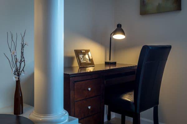Study room at Stonebrook Village at Windsor Locks