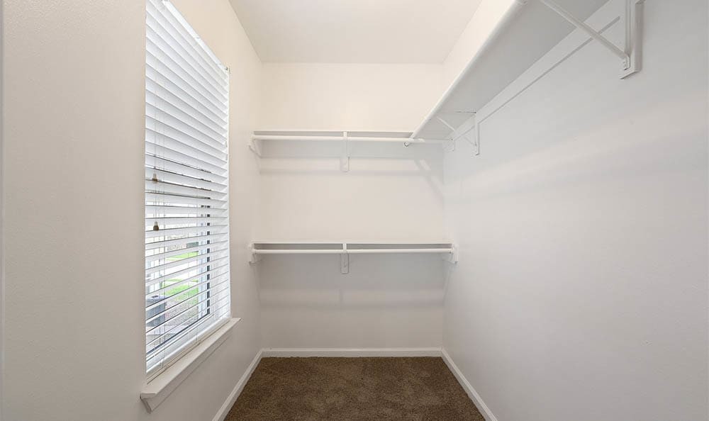 The Mayfair Apartment Homes Large Walk In Closet