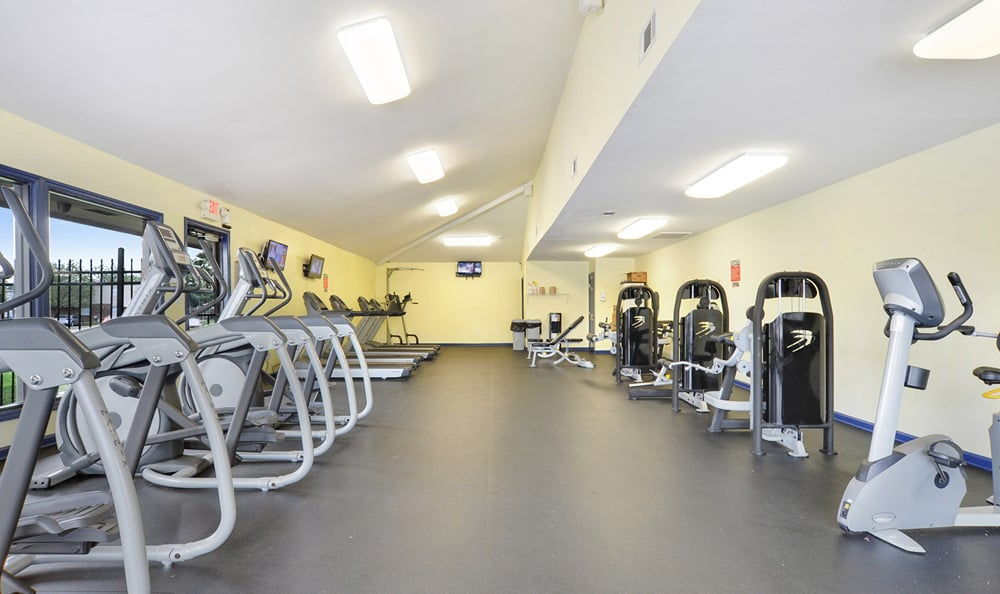Exercise Facility at Emerald Pointe Apartment Homes