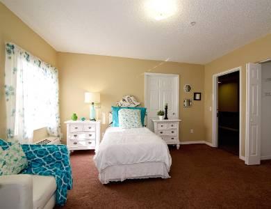 Calm bedroom  in Sun City Senior Living