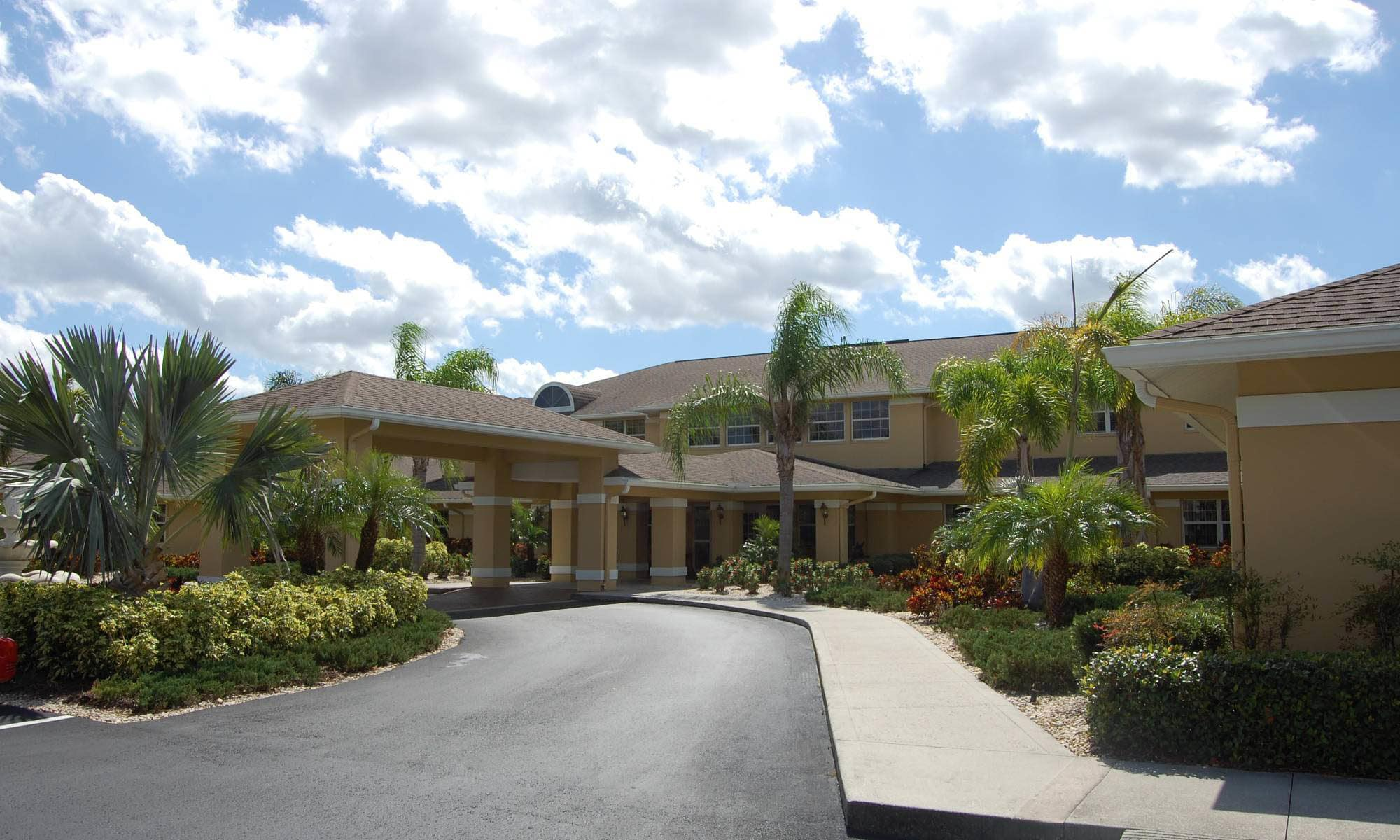 Entryway to Sun City Senior Living in Ruskin