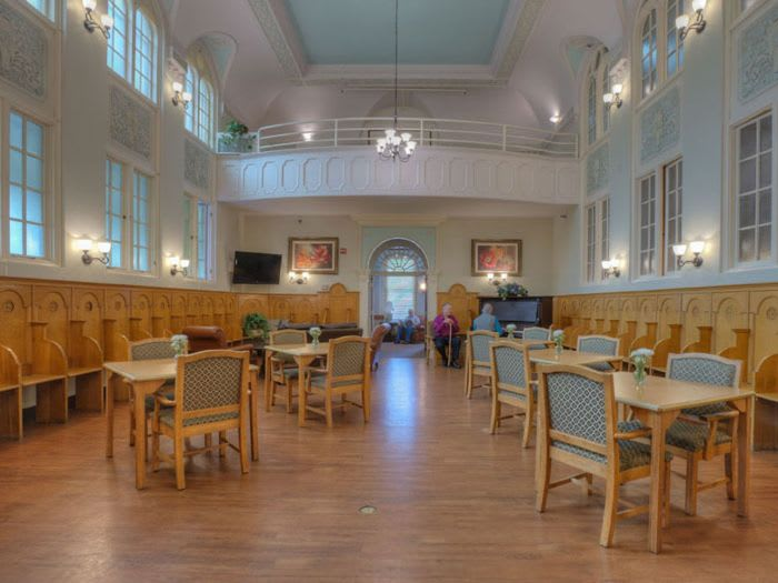 dining hall at St. Andrews Memory Care in Portland, OR