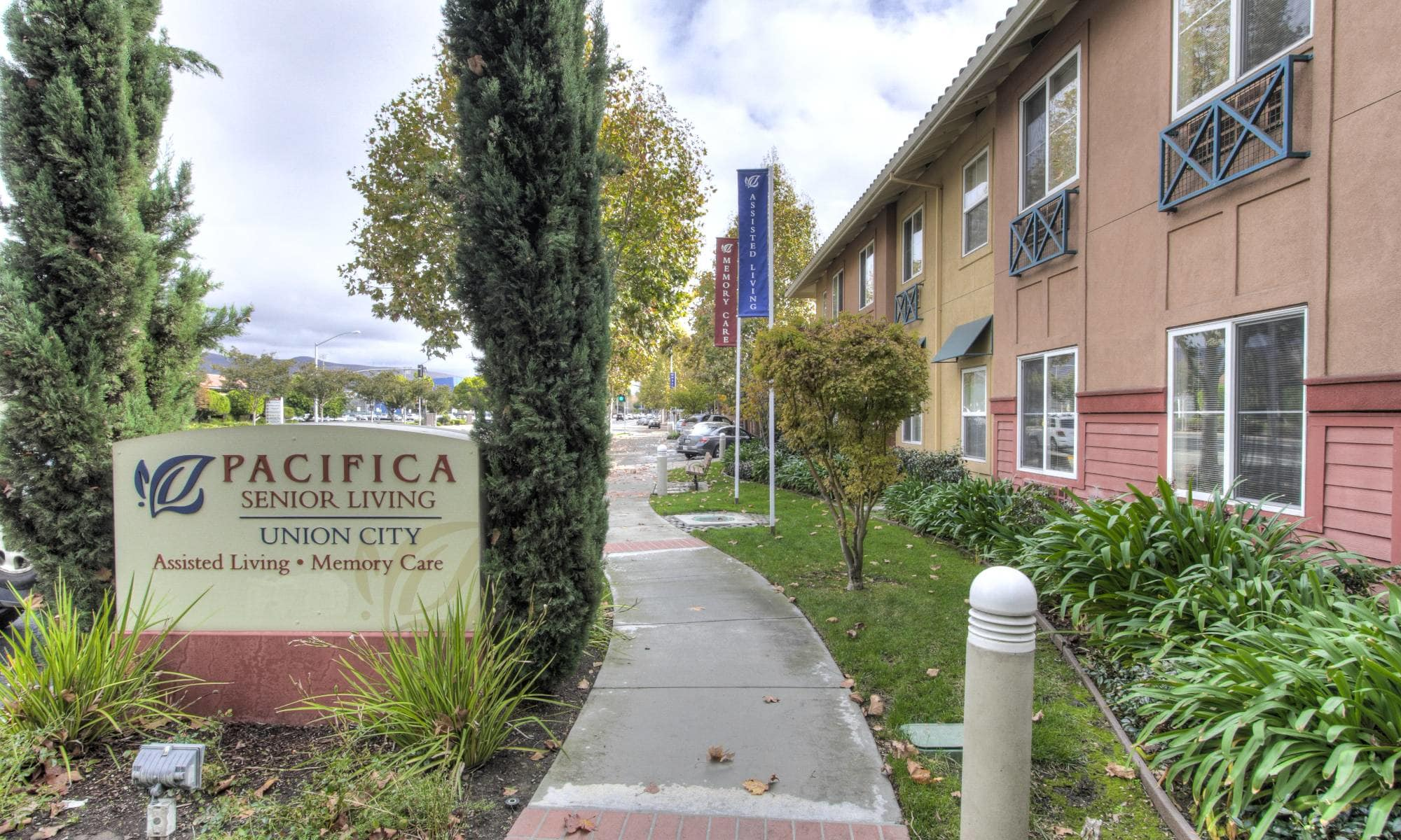 Main sign of Pacifica Senior Living Union City