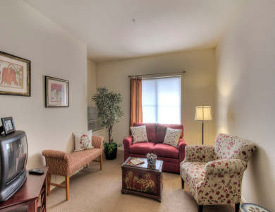 Living room at Pacifica Senior Living Union City
