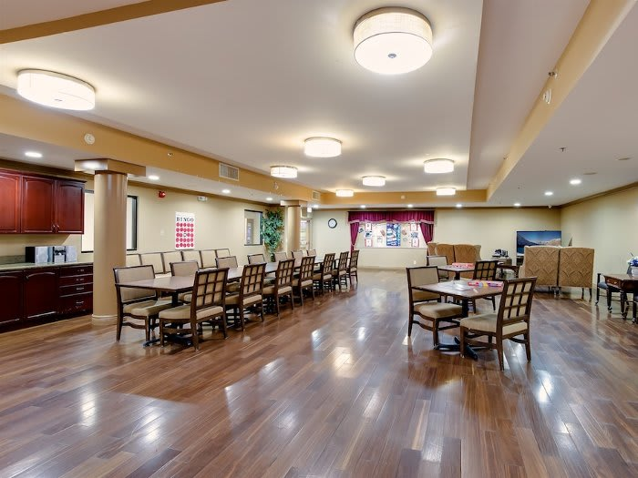 Ample dining hall at Pacifica Senior Living Santa Clarita in California