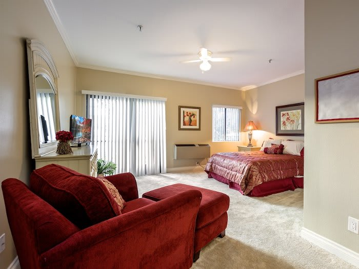 Well decorated bedroom at Pacifica Senior Living Santa Clarita in Newhall, CA