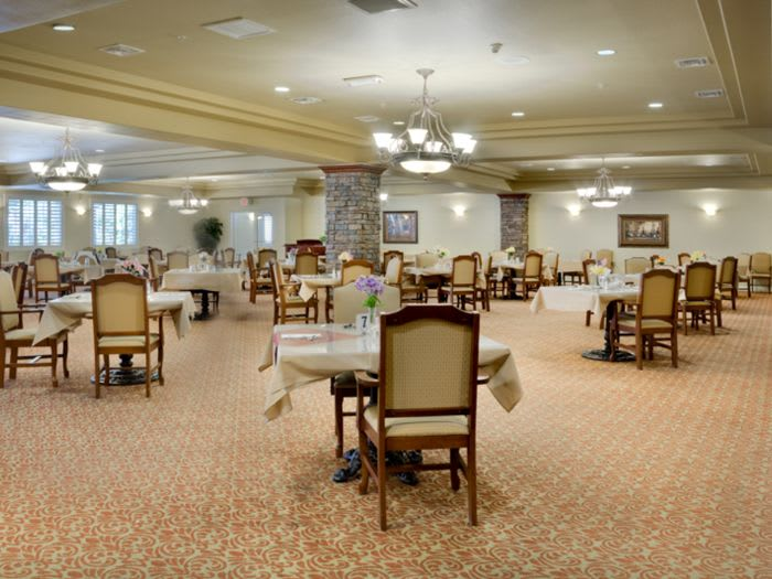 dining hall at Pacifica Senior Living San Martin in Las Vegas, NV