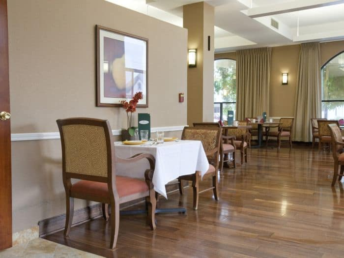 dining hall at Pacifica Senior Living San Leandro in San Leandro, CA