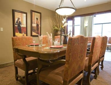 large dining table at Pacifica Senior Living San Leandro in San Leandro, CA