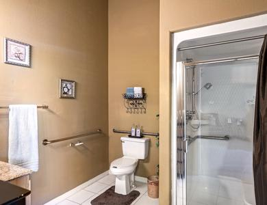 Aparments with private bathroom at Pacifica Senior Living Regency in Las Vegas, NV