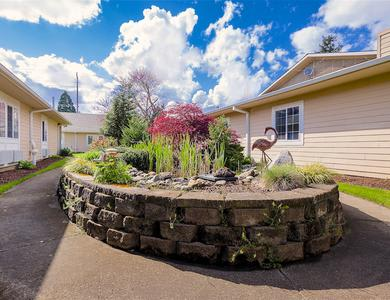 Beautiful yards at Pacifica Senior Living Portland in Portland, OR
