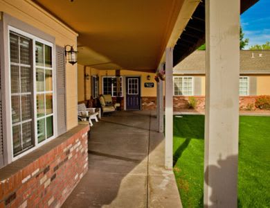 Exterior of Pacifica Senior Living Peoria in Peoria, AZ