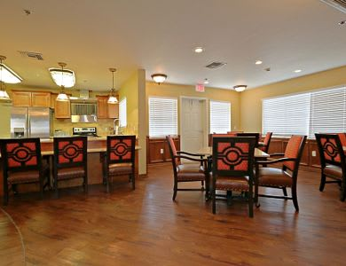 Kitchen and dining room at Pacifica Senior Living Peoria in Peoria, AZ