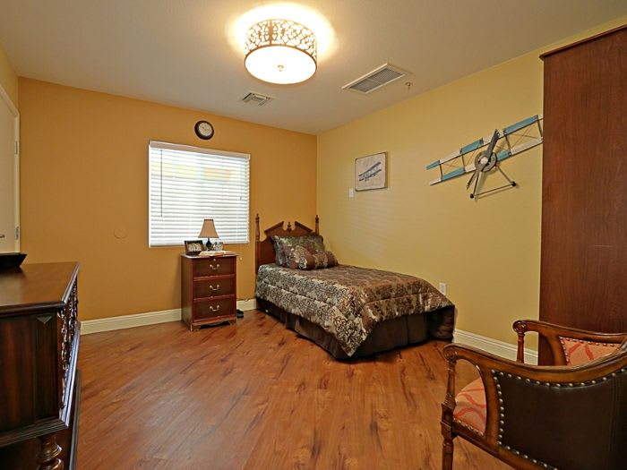 Resident bedroom at Pacifica Senior Living Peoria in Peoria, AZ