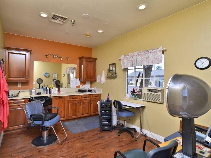 Salon at Pacifica Senior Living Paradise Valley in Phoenix