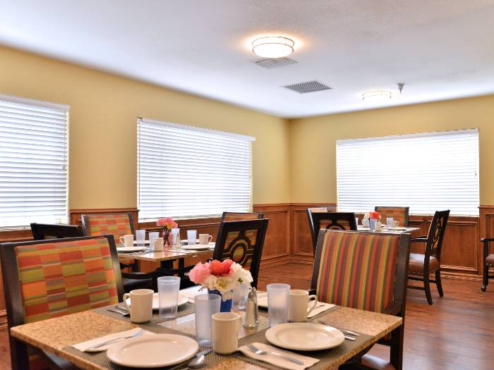 Community dining area at Pacifica Senior Living Paradise Valley in Phoenix