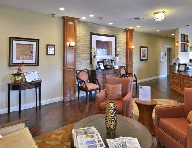 Pacifica Senior Living Paradise Valley lounge