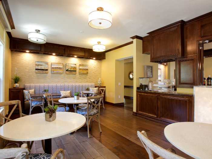 Dinning room in Pacifica Senior Living Oakland Heights