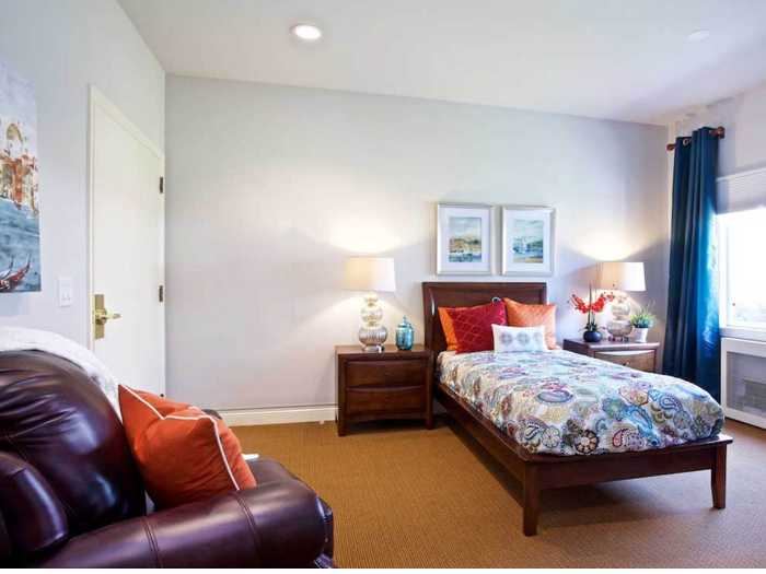 Gorgeous Bedroom at Pacifica Senior Living Oakland Heights