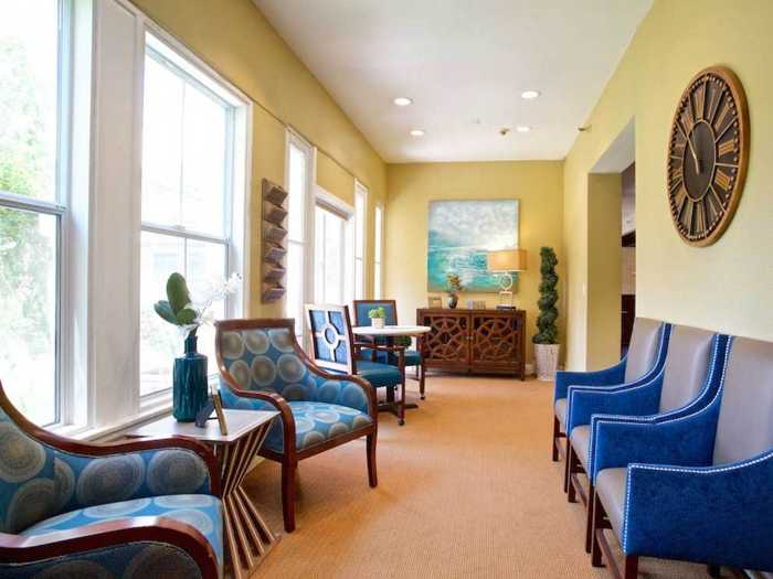Calm lounge in Pacifica Senior Living Oakland Heights