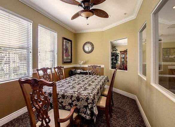 Dining room at Pacifica Senior Living Newport Mesa