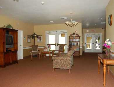 An interior view of the beautiful living room at Pacifica Senior Living Modesto