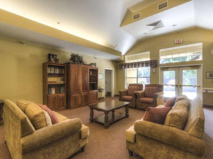 Social lounge at Pacifica Senior Living Modesto in Modesto