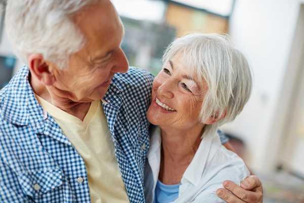 Happy couple at Pacifica Senior Living Mission Villa