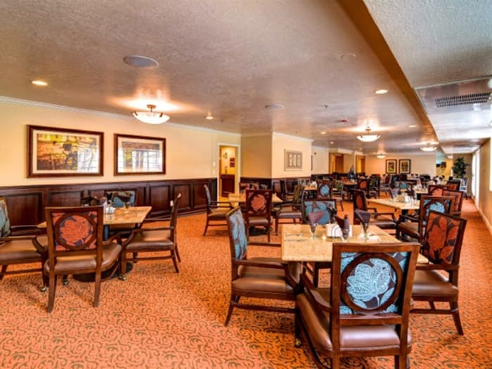 Community dining hall at Pacifica Senior Living Millcreek in Salt Lake City, UT
