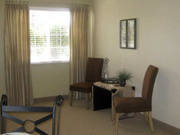 Living room at Pacifica Senior Living Millcreek