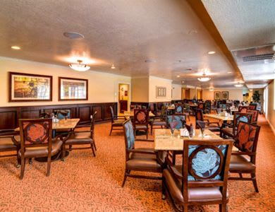 Community dining room at Pacifica Senior Living Millcreek