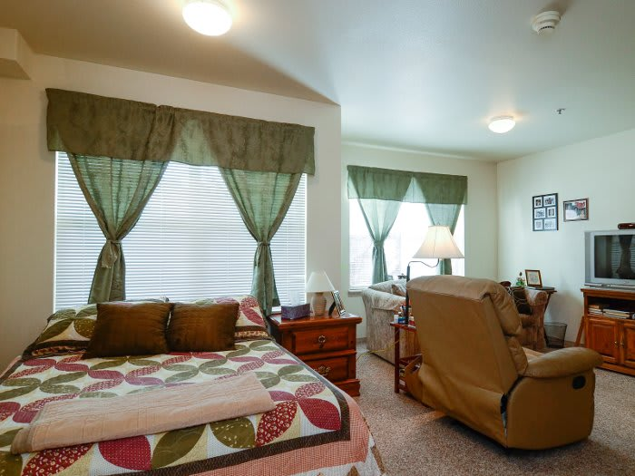 Senior apartment bedroom at Pacifica Senior Living Klamath Falls in Oregon