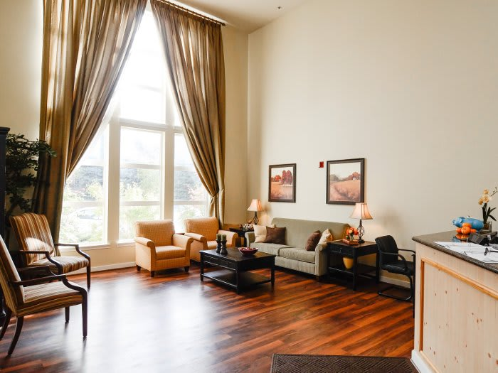 Living room with luxurious amenities at Pacifica Senior Living Klamath Falls