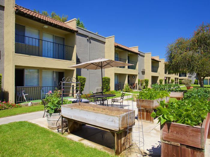 Sunny courtyards at Pacifica Senior Living Escondido