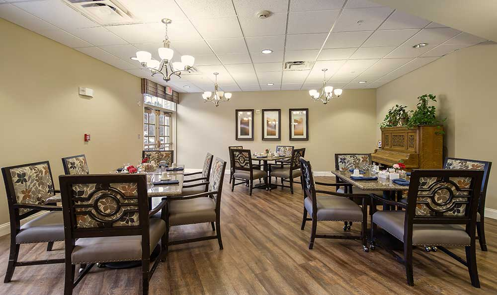 Dining area at Pacifica Senior Living Country Crest