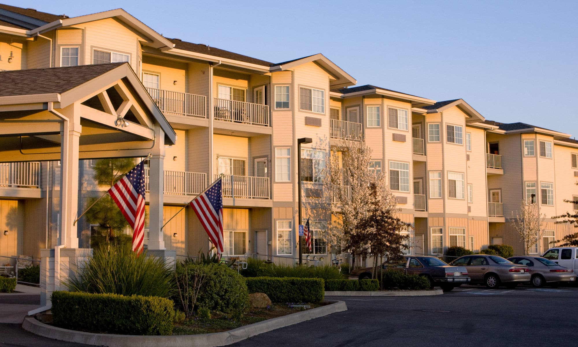 Gorgeous front view Pacifica Senior Living Country Crest