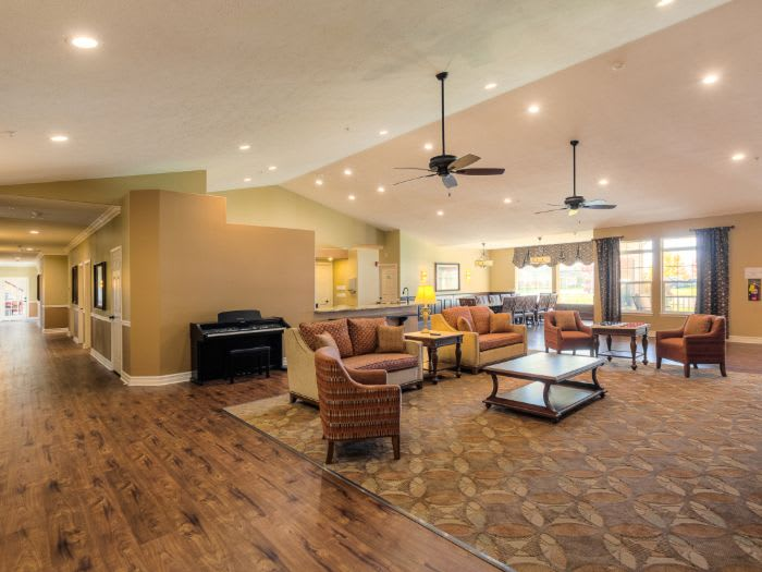 shared resident lounge at Pacifica Senior Living Coeur d'Alene in Coeur d'Alene, ID