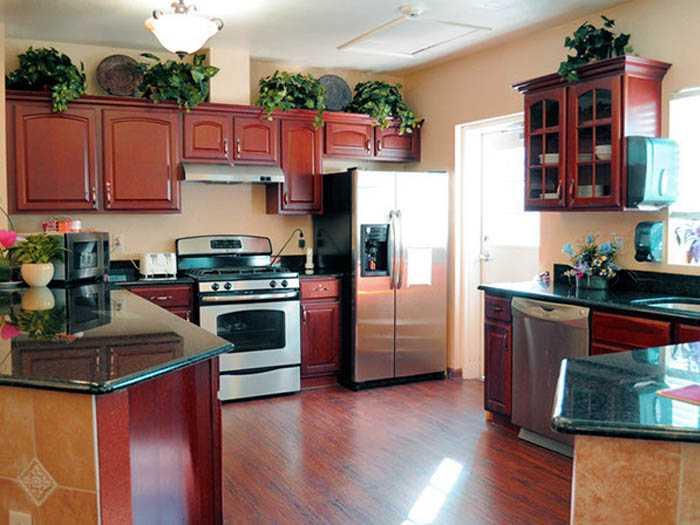 Spacious Kitchen in Pacifica Senior Living Belleair