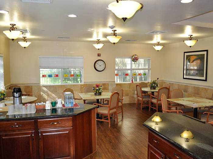 Dining area in Pacifica Senior Living Belleair