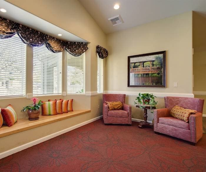 Pacifica Senior Living Vacaville offers spacious and bright common areas for our senior living residents to enjoy