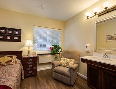 Feel at home at Pacifica Senior Living Vacaville in Vacaville, California
