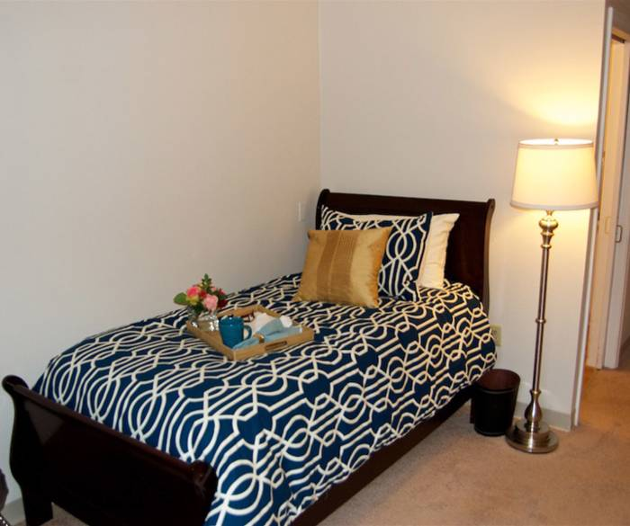 Comfortable bed at Pacifica Senior Living Lynnwood